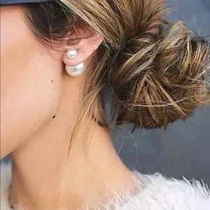 🌹Double sided stud pearl earrings
